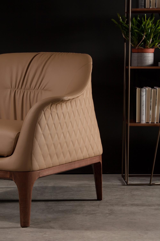 tiffany tonin casa. Black Bedroom Furniture Sets. Home Design Ideas